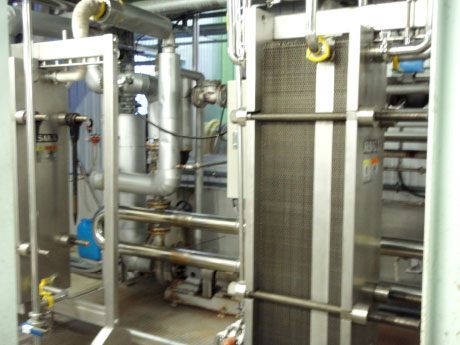 Plate type pasteurization and cooling equipment